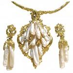 Impressive Pearl Gold Suite c1960-1