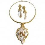 Impressive Pearl Gold Suite c1960-10